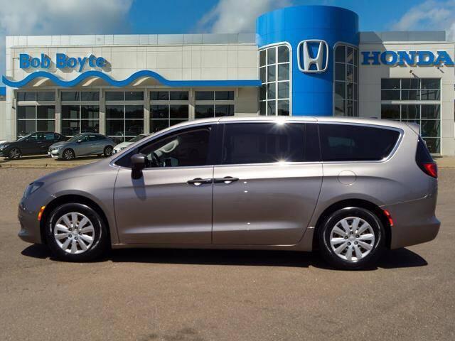 2018 Chrysler Pacifica for sale at BOB BOYTE HONDA in Brandon MS