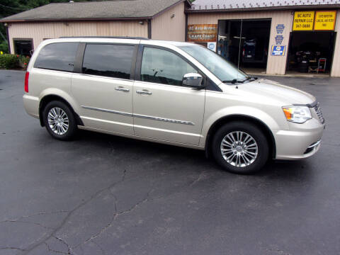 2013 Chrysler Town and Country for sale at Dave Thornton North East Motors in North East PA
