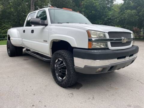 2004 Chevrolet Silverado 3500 for sale at Thornhill Motor Company in Lake Worth TX