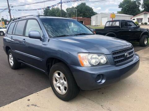 2003 Toyota Highlander for sale at Wise Investments Auto Sales in Sellersburg IN