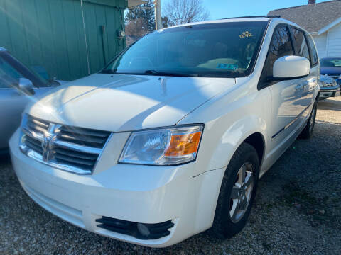 2008 Dodge Grand Caravan for sale at GREENLIGHT AUTO SALES in Akron OH