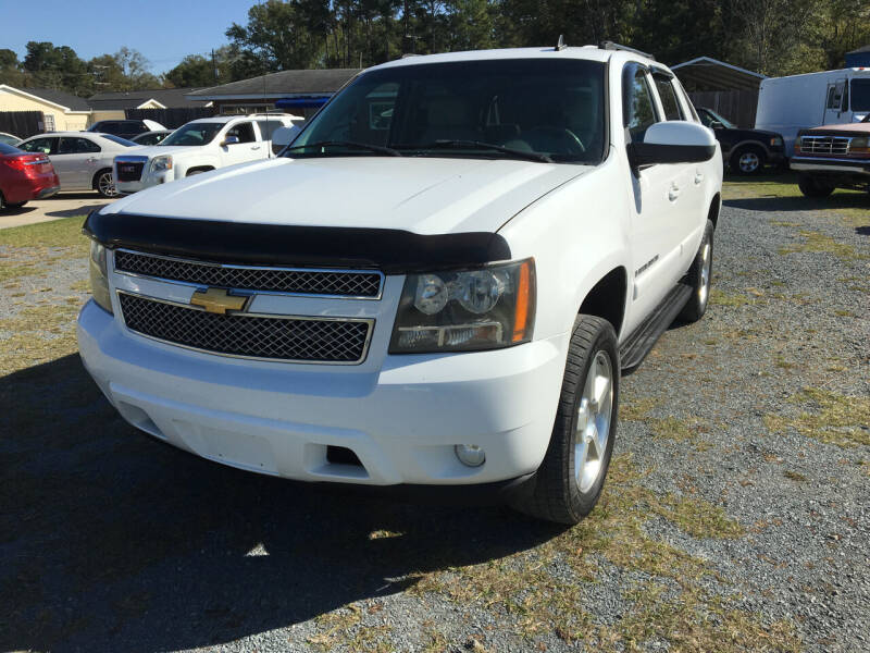 2007 Chevrolet Avalanche for sale at LAURINBURG AUTO SALES in Laurinburg NC