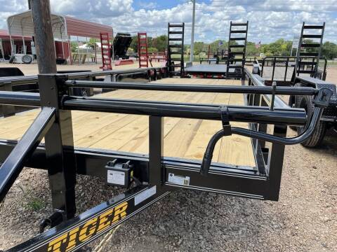 """2021 TIGER - Equipment 83"""" X 20' - H for sale at LJD Sales in Lampasas TX"""