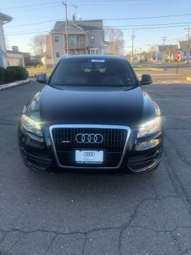 2010 Audi Q5 for sale at Whiting Motors in Plainville CT