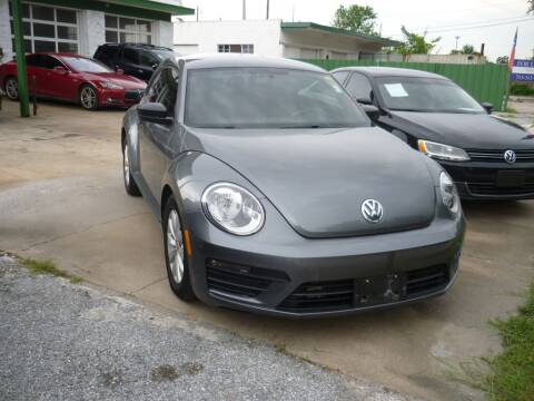 2017 Volkswagen Beetle for sale at Auto Outlet Inc. in Houston TX