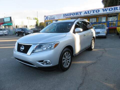 2015 Nissan Pathfinder for sale at Import Auto World in Hayward CA