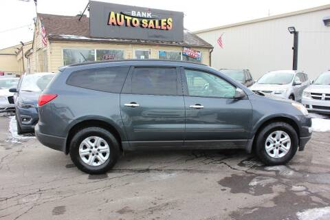 2011 Chevrolet Traverse for sale at BANK AUTO SALES in Wayne MI