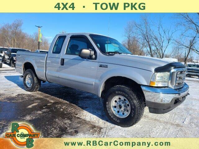 2003 Ford F-250 Super Duty for sale at R & B CAR CO - R&B CAR COMPANY in Columbia City IN
