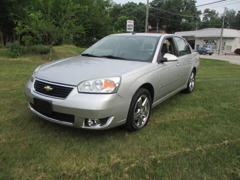 2006 Chevrolet Malibu for sale at Triangle Auto Sales in Elgin IL