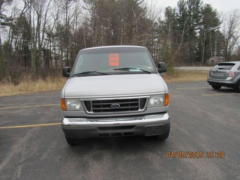 2004 Ford E-Series Wagon for sale at Heritage Truck and Auto Inc. in Londonderry NH