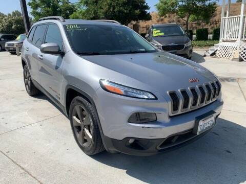 2016 Jeep Cherokee for sale at Los Compadres Auto Sales in Riverside CA
