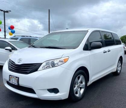 2017 Toyota Sienna for sale at PONO'S USED CARS in Hilo HI