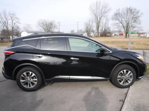 2017 Nissan Murano for sale at Dave's Car Corner in Hartford City IN