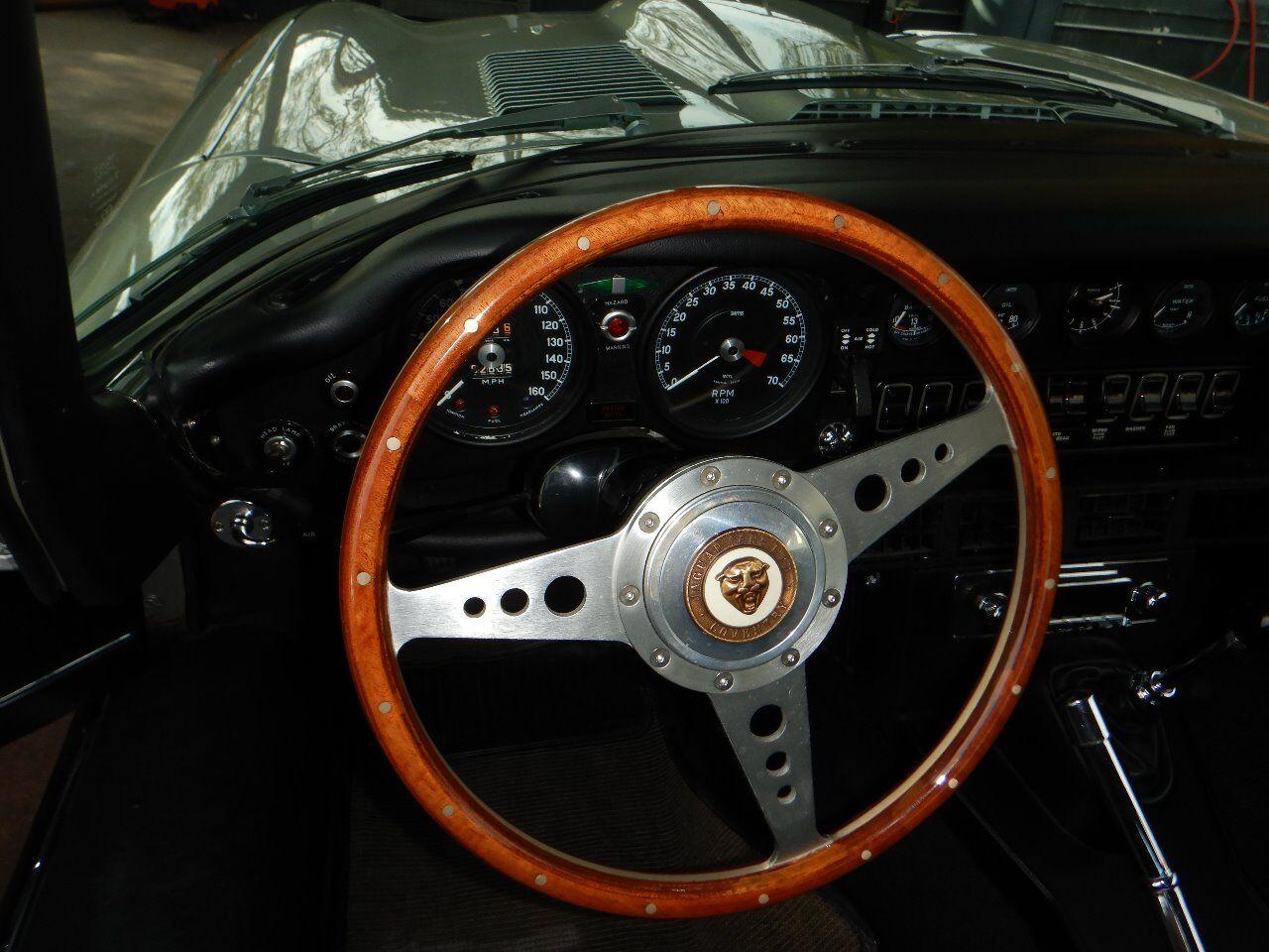 1973 Jaguar XKE 52