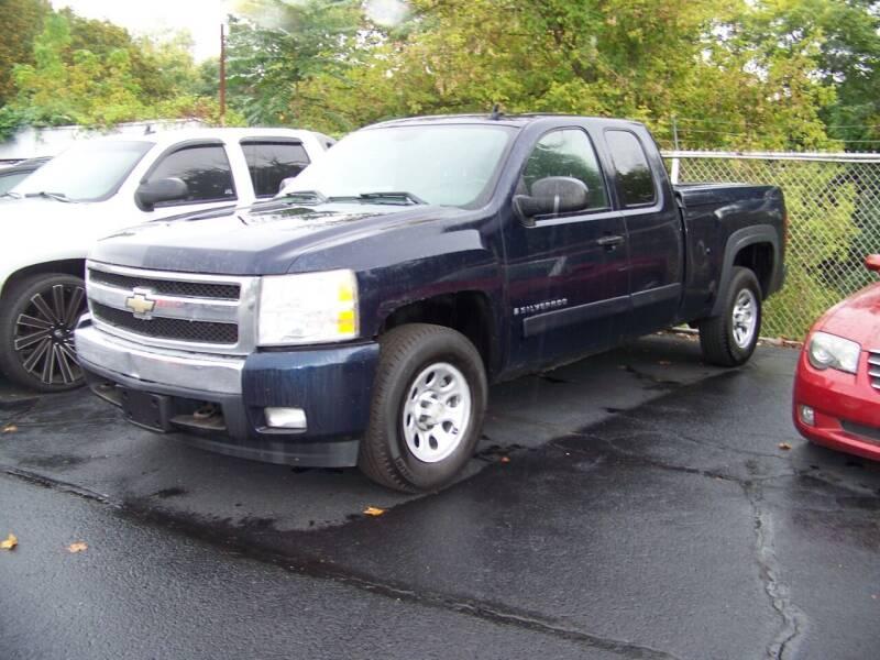 2007 Chevrolet Silverado 1500 for sale at Collector Car Co in Zanesville OH