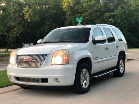 2007 GMC Yukon for sale at L G AUTO SALES in Boynton Beach FL