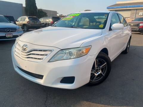 2011 Toyota Camry for sale at Cars 2 Go in Clovis CA