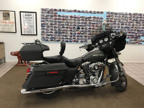 2006 HARLEY DAVIDSON FLHX STREET GLIDE for sale at Northwood Auto Sales in Northport AL