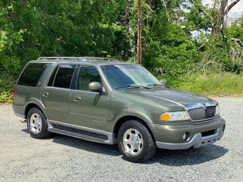 2001 Lincoln Navigator for sale at Charlie's Used Cars in Thomasville NC