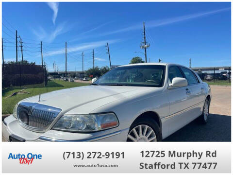 2005 Lincoln Town Car for sale at Auto One USA in Stafford TX