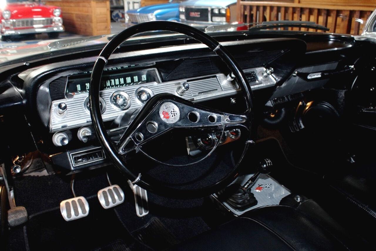 1962 Chevrolet Impala 23