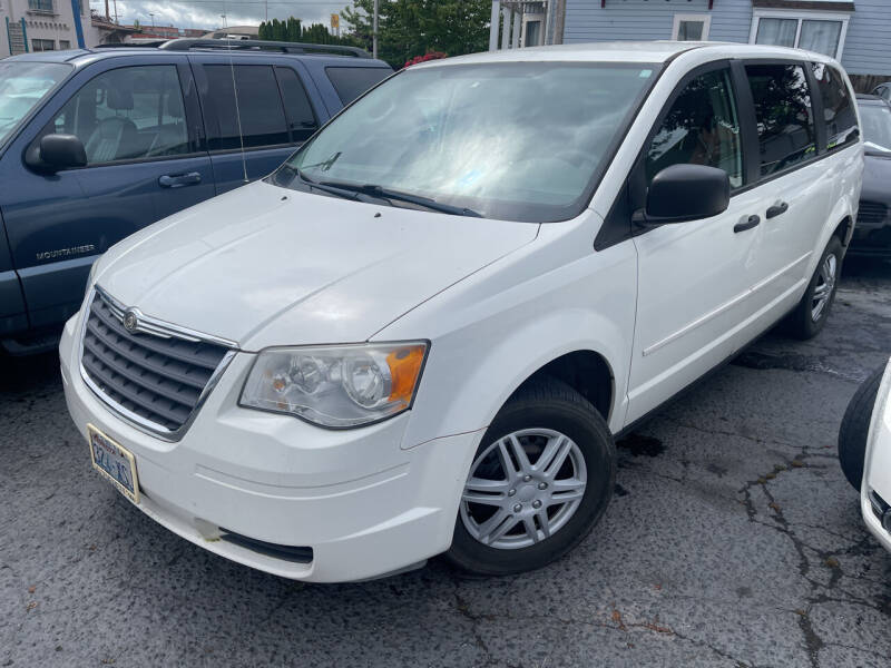 2008 Chrysler Town and Country for sale at American Dream Motors in Everett WA