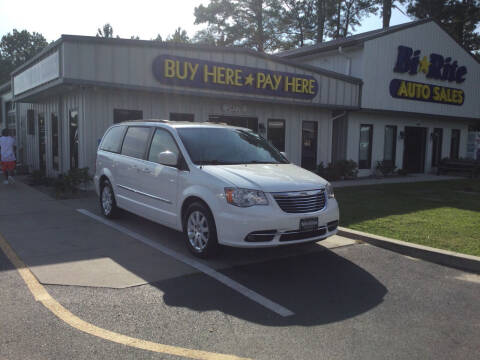 2013 Chrysler Town and Country for sale at Bi Rite Auto Sales in Seaford DE