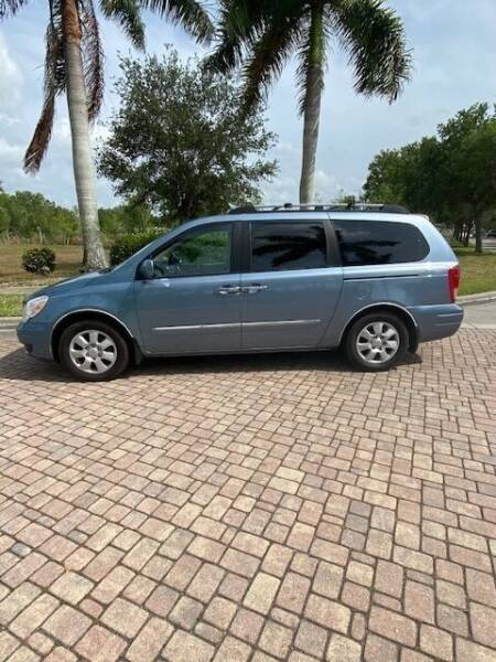 2008 Hyundai Entourage for sale at Used Cars Cape Coral -- World Champions Auto Inc in Cape Coral FL