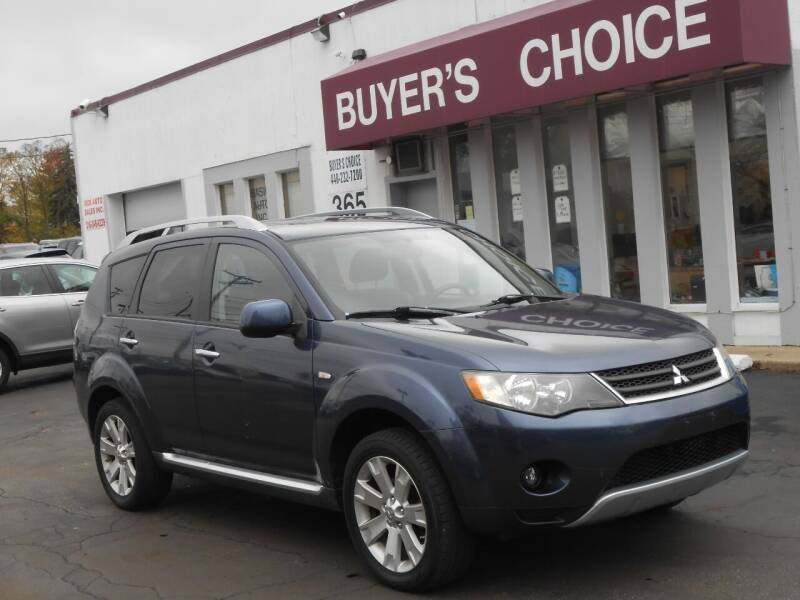 2009 Mitsubishi Outlander for sale at Buyers Choice Auto Sales in Bedford OH