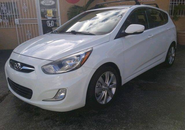 2013 Hyundai Accent for sale at VALDO AUTO SALES in Miami FL