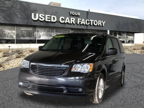 2015 Chrysler Town and Country for sale at JOELSCARZ.COM in Flushing MI