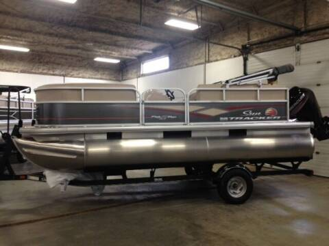 2021 SUNTRACKER PARTY BARGE 18 DLX for sale at Tyndall Motors in Tyndall SD