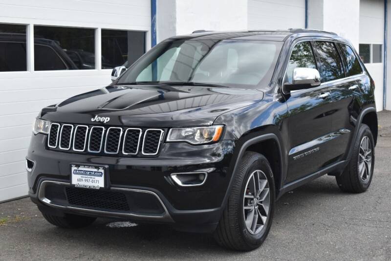 2018 Jeep Grand Cherokee for sale at IdealCarsUSA.com in East Windsor NJ