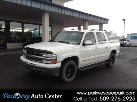 2004 Chevrolet Suburban for sale at PARKWAY AUTO CENTER AND RV in Deer Park WA