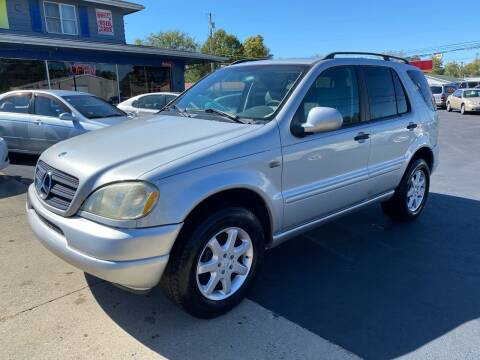 2000 Mercedes-Benz M-Class for sale at Wise Investments Auto Sales in Sellersburg IN