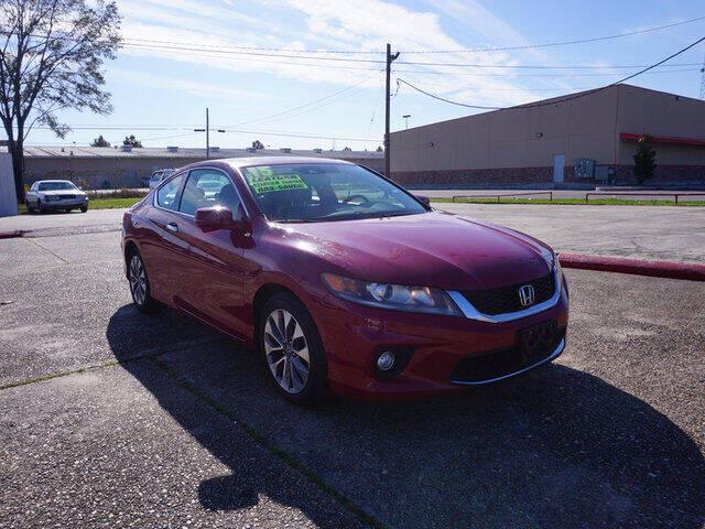 2015 Honda Accord for sale at BLUE RIBBON MOTORS in Baton Rouge LA