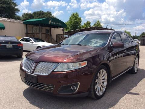 2010 Lincoln MKS for sale at OASIS PARK & SELL in Spring TX