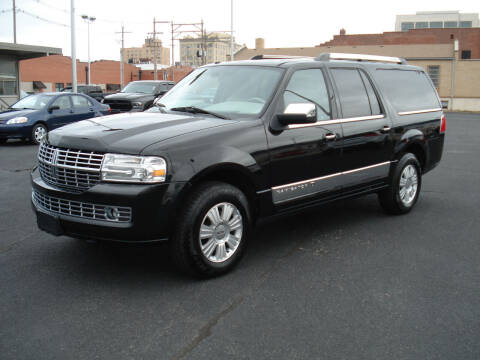 2011 Lincoln Navigator L for sale at Shelton Motor Company in Hutchinson KS