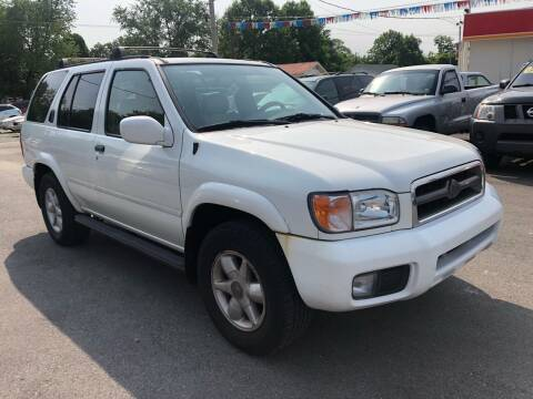 2000 Nissan Pathfinder for sale at Wise Investments Auto Sales in Sellersburg IN