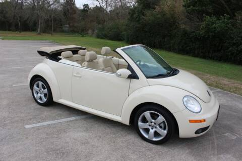 2007 Volkswagen New Beetle Convertible for sale at Clear Lake Auto World in League City TX