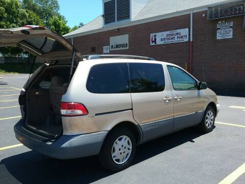 2003 Toyota Sienna for sale at Drive Deleon in Yonkers NY