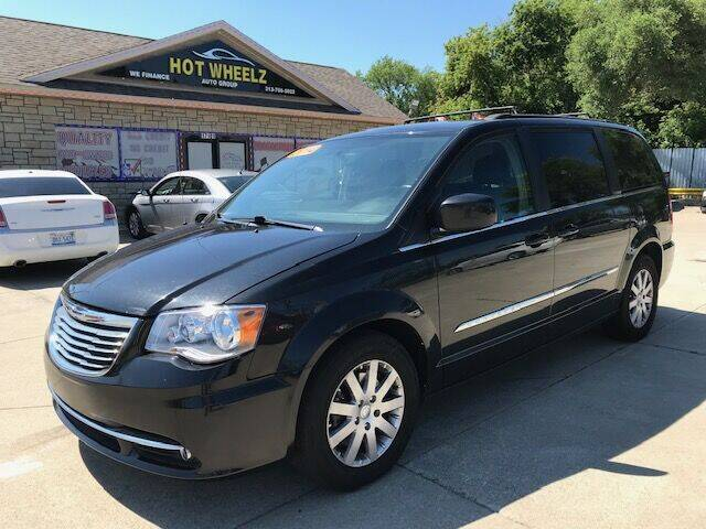 2014 Chrysler Town and Country for sale at HotWheelz Auto Group in Detroit MI