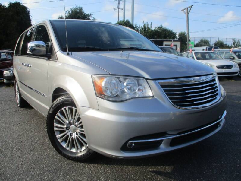2014 Chrysler Town and Country for sale at Unlimited Auto Sales Inc. in Mount Sinai NY