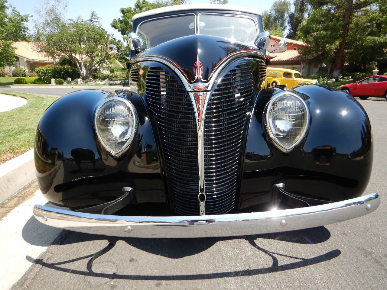 1938 Ford Cabriolet 3