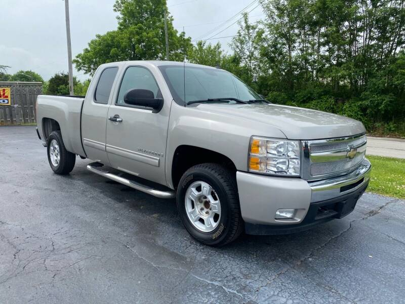 2009 Chevrolet Silverado 1500 for sale at CarSmart Auto Group in Orleans IN