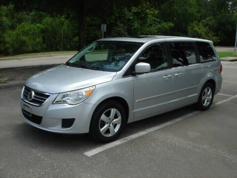 2010 Volkswagen Routan for sale at ACH AutoHaus in Dallas TX