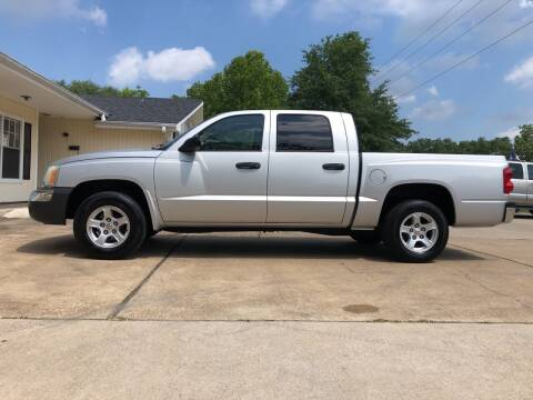 2005 Dodge Dakota for sale at H3 Auto Group in Huntsville TX