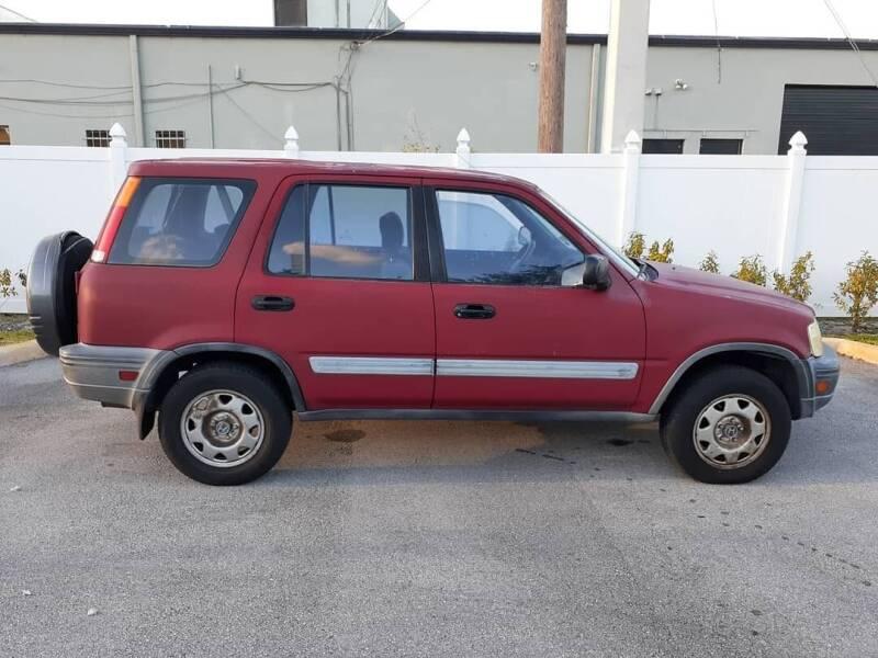 1998 Honda CR-V for sale at Car Mart Leasing & Sales in Hollywood FL