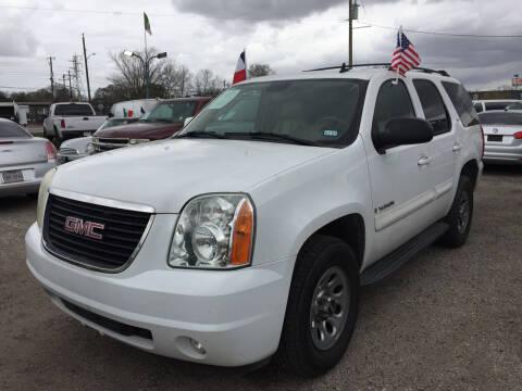 2007 GMC Yukon for sale at BSA Used Cars in Pasadena TX