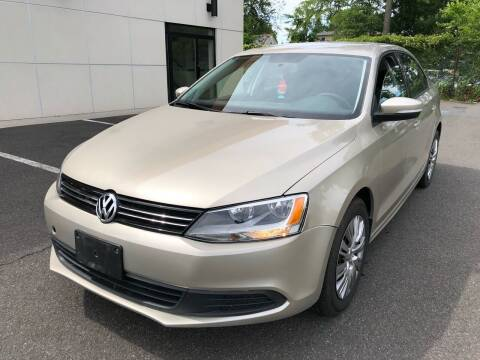2014 Volkswagen Jetta for sale at MAGIC AUTO SALES in Little Ferry NJ